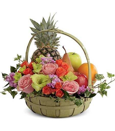 Корзина с продуктами «Фрукты и цветы»
