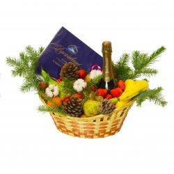 Корзина с продуктами «Подарочная корзина  С Новым годом!»