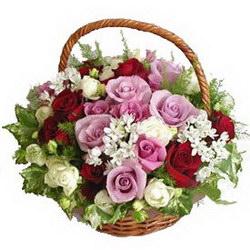 «Привет издалека» Нежная, яркая и ароматная корзина цветов очарует получателя.