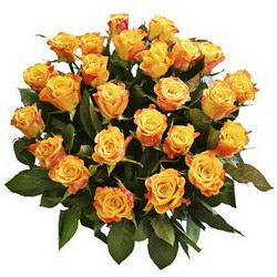 «Звездочка моя золотая» Ярко желто-оранжевые розы, собранные