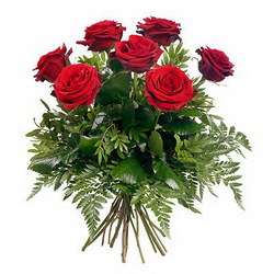 «Любовь моя» Классический букет из красных роз с зеленью.